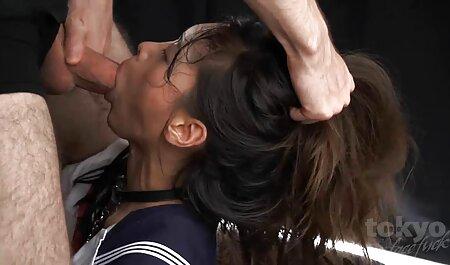 Frumoase suge pula adanc femei Cehe lubrifia ulei pe tot corpul lor
