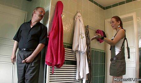 Curtat nicoleta luciu suge pula curățarea piscinei și savurarea ei cum.