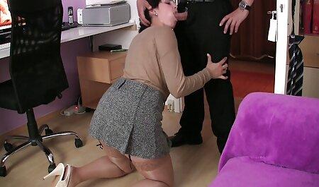 Busty tineri futaciosi curvă a venit la casting porno.
