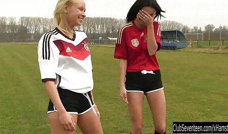 Nimfele nevinovate își filme sexi noi pierd virginitatea și au mai întâi un orgasm.