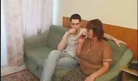 Macho om Rusia a cerut Nita star filme porno cu mame sexy să nu ia de pe dungi șosete și rupt anus