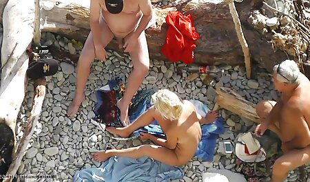 Doi grase care se fut in cur bărbați curajoși încercați pieptoase blonde