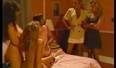 Lady Rita linge pasarica barbati in pula goala ei si o fute prea.