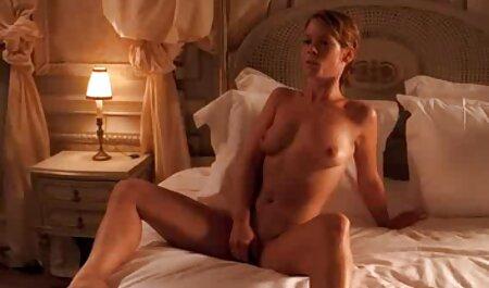 Atletul se relaxează după filme porno cu femei gravide gratis o muncă grea.