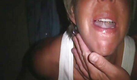 Un bărbat Păros, după o muie, a futut un sfârc filme sexi cu femei grase frumos.