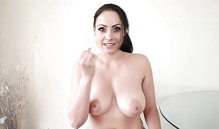 Fata a luat un filme porno online in grup tip de pe stradă să se fută acasă.