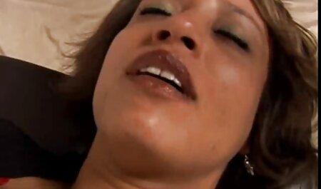 Bărbații și-au poze cu pule negre băgat fundul în pat și vagin.