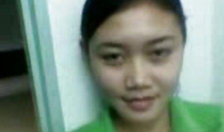 Fata a fost luată de tatăl prietenei xxx se fute cu cainele ei.